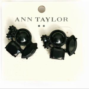 🆕Black ANN TAYLOR Retro Cluster Gem Earrings NWT